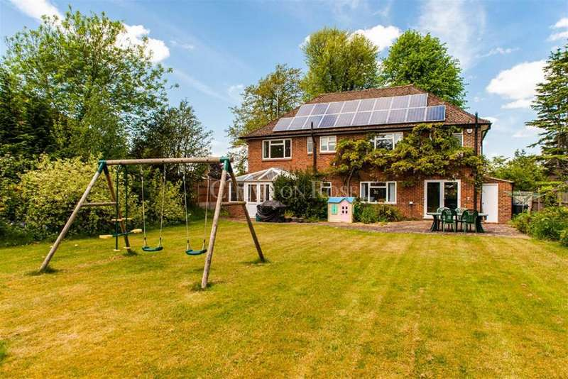 4 Bedrooms Detached House for sale in Horsell, Woking