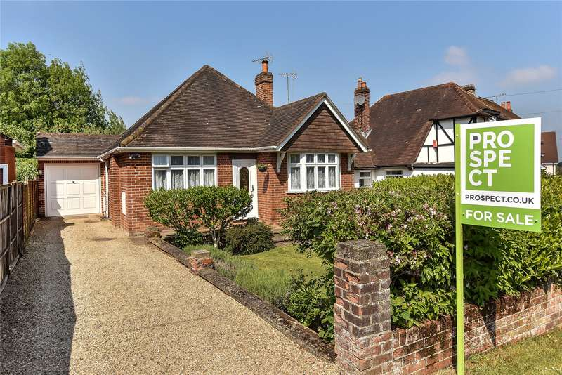 3 Bedrooms Detached Bungalow for sale in Larch Avenue, Wokingham, Berkshire, RG41