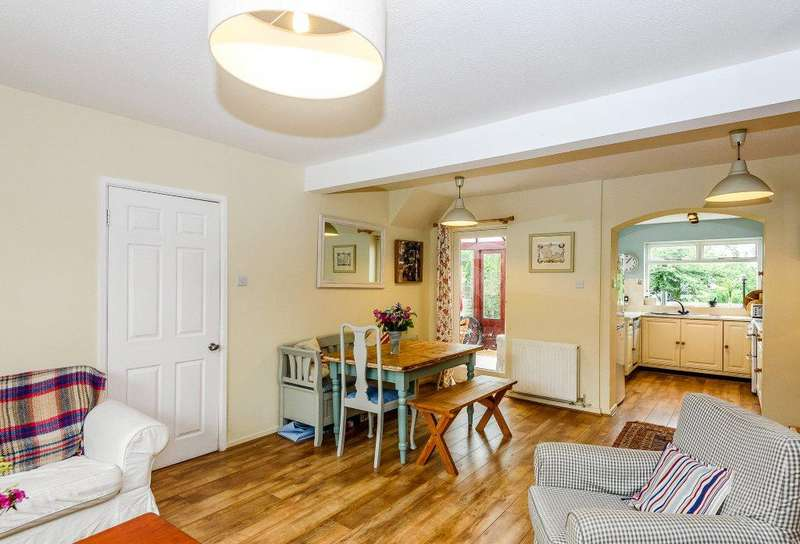 3 Bedrooms Semi Detached House for sale in Burtons Hill, Kintbury, Hungerford, Berkshire, RG17