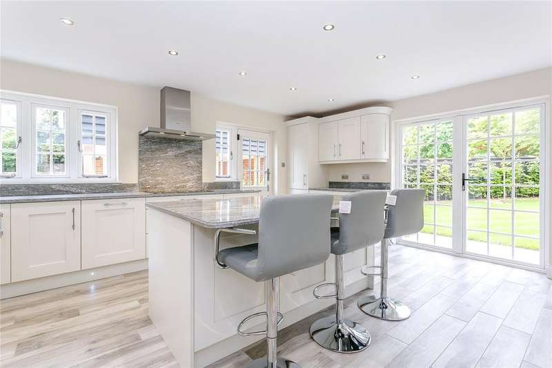 4 Bedrooms Detached House for sale in Lower Road, West Farleigh, Maidstone, Kent