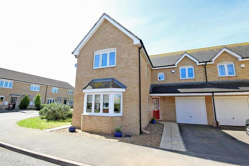 4 Bedrooms Semi Detached House for sale in Strawberry Fields, Great Barford,