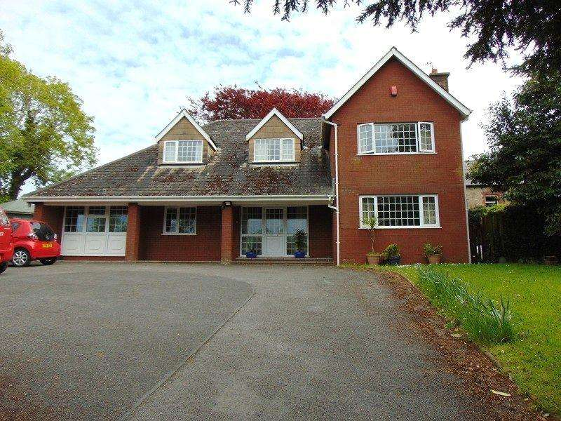 5 Bedrooms Detached House for sale in Vicarage Lane, Kidwelly, Carmarthenshire. SA17 4SY