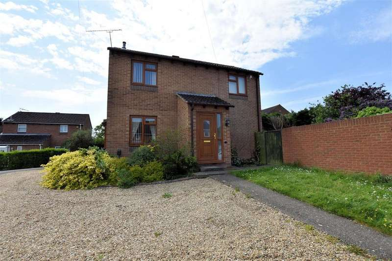 3 Bedrooms Link Detached House for sale in Wealden Way, Tilehurst, Reading