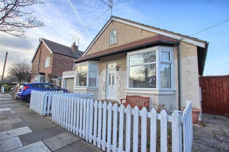 3 Bedrooms Detached Bungalow for sale in Saint Peter's Grove, Redcar