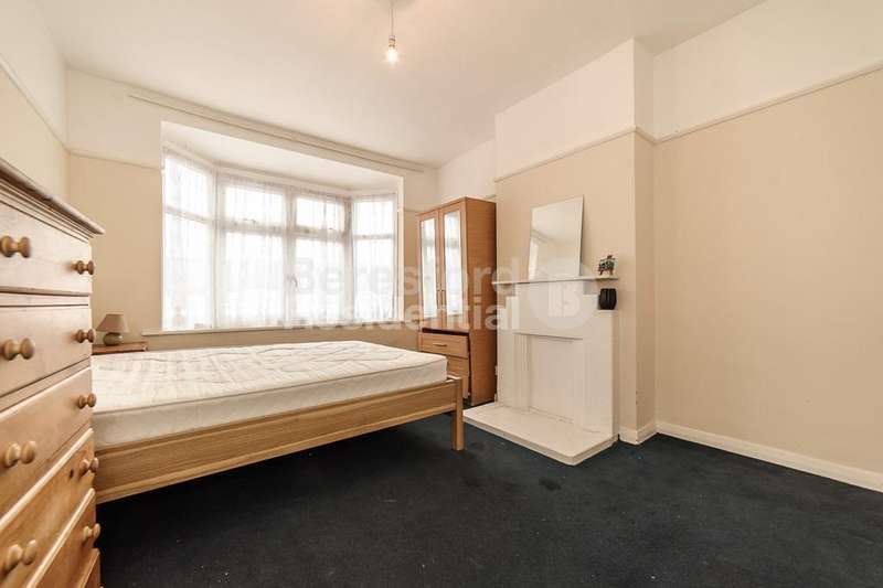 2 Bedrooms Flat for sale in Streatham Vale, Streatham, SW16