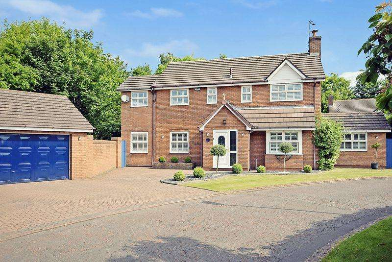 4 Bedrooms Detached House for sale in Sanbec Gardens, Widnes