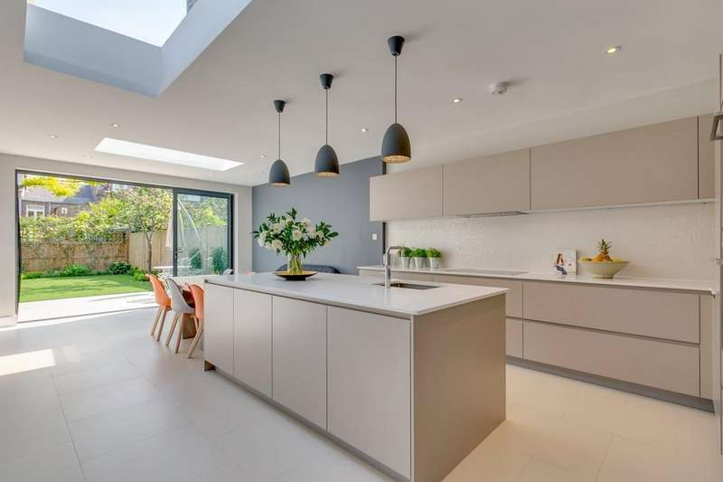 4 Bedrooms Terraced House for sale in Wiseton Road, London