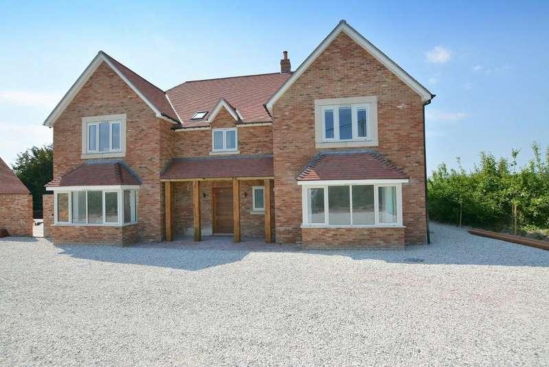 4 Bedrooms Detached House for sale in Creech Hill, Wimborne St Giles, Wimborne