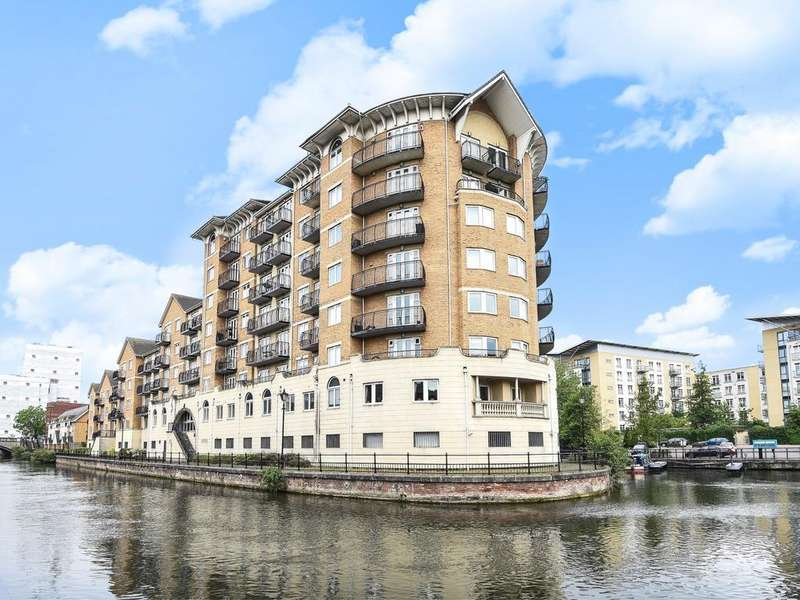 2 Bedrooms Apartment Flat for sale in Blakes Quay, Gas Works Road, Reading, RG1