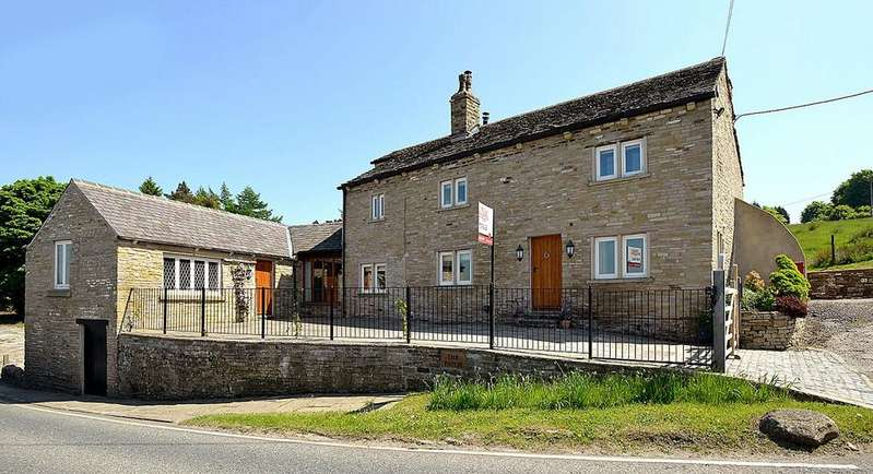 4 Bedrooms Detached House for sale in Macclesfield Road, Rainow