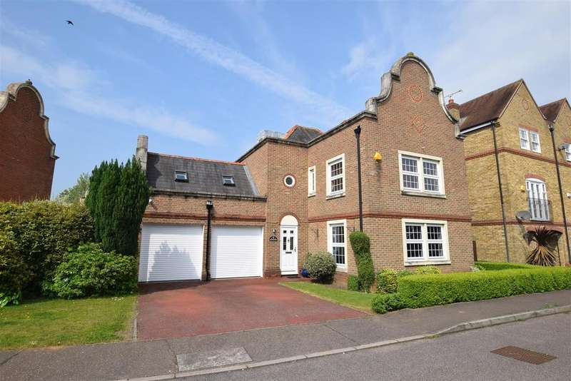 5 Bedrooms Detached House for sale in Drywoods, South Woodham Ferrers, Chelmsford