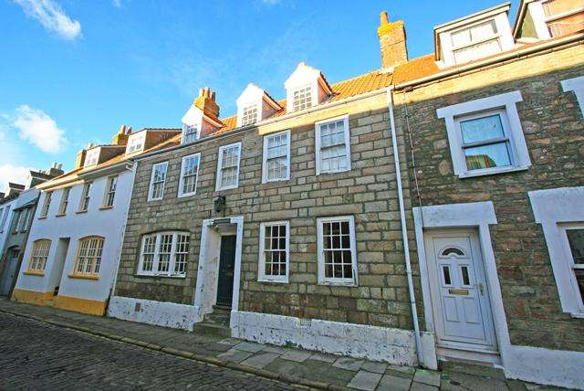 6 Bedrooms Town House for sale in High Street, Alderney GY9