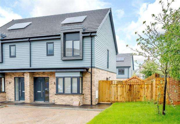 3 Bedrooms Semi Detached House for sale in Back Lane, Cambourne, Cambridgeshire