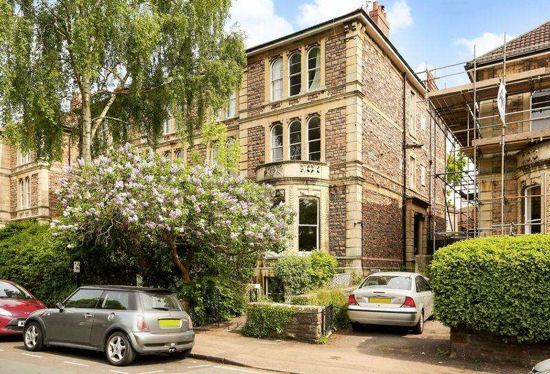 2 Bedrooms Apartment Flat for sale in Clifton, Bristol