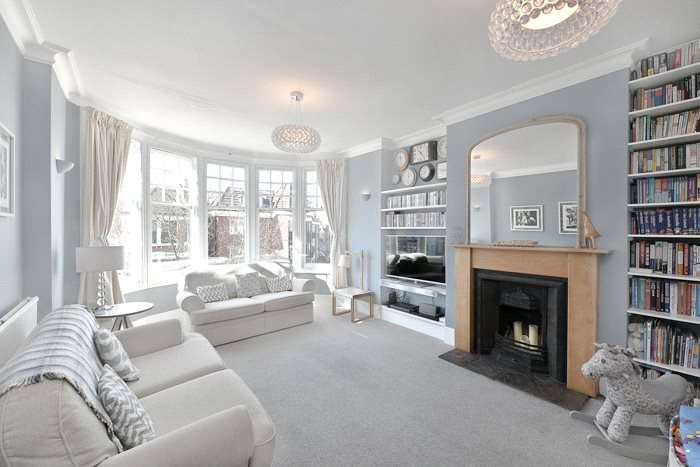 3 Bedrooms Flat for sale in The Grove Finchley London