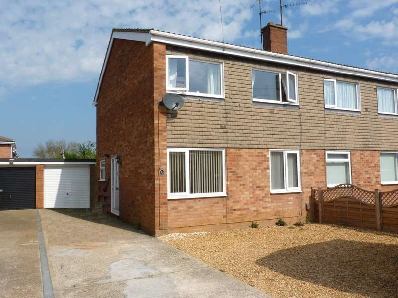 3 Bedrooms Semi Detached House for sale in Pyms Way, Sandy SG19
