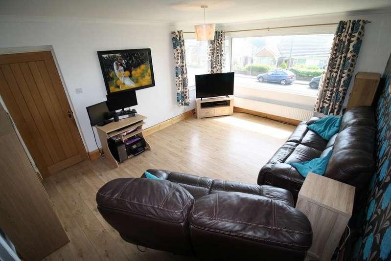 2 Bedrooms Semi Detached Bungalow for sale in Watcombe Park, Torquay