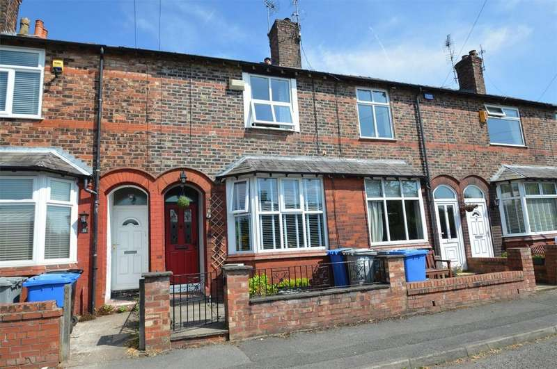3 Bedrooms Terraced House for sale in Brentwood Avenue, Timperley, Cheshire