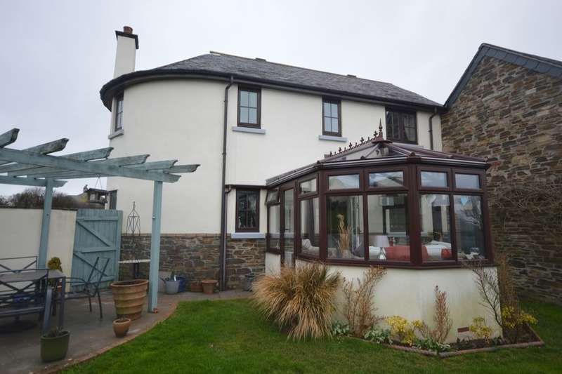 3 Bedrooms Detached House for sale in Renney Road, Down Thomas, Plymouth, PL9