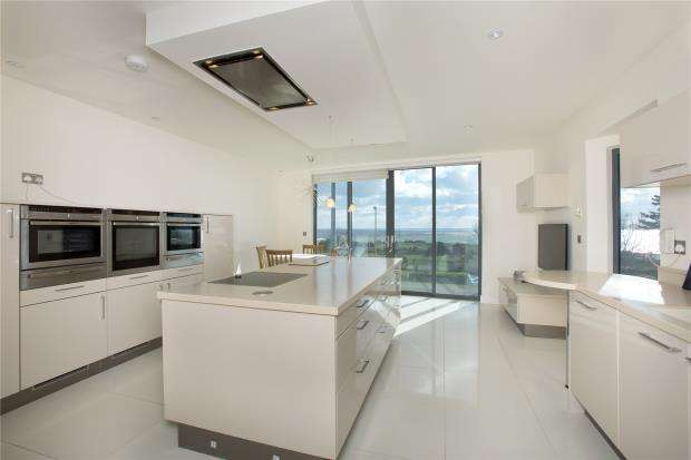 4 Bedrooms End Of Terrace House for sale in Rocklands, Trefusis Terrace, Exmouth