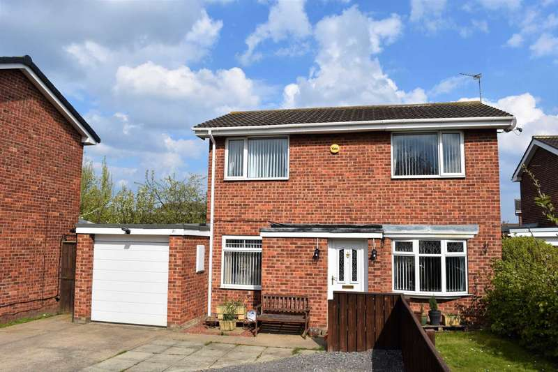 3 Bedrooms Detached House for sale in ***REDUCED*** Martindale Way, Redcar