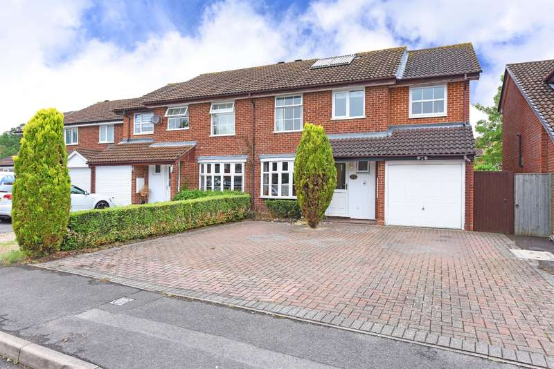 5 Bedrooms Semi Detached House for sale in Doddington Close, Lower Earley, Reading, RG6