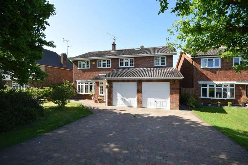 5 Bedrooms Detached House for sale in Causeway End Road, Felsted, Dunmow, Essex, CM6