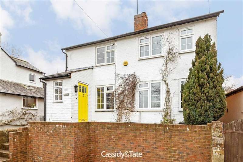 5 Bedrooms Detached House for sale in Lower Luton Road, Wheathampstead, Herts