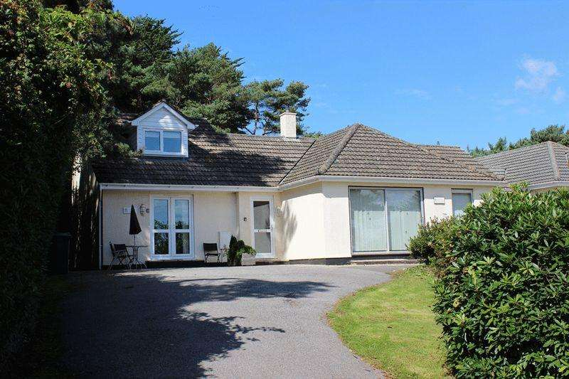 3 Bedrooms Bungalow for sale in 105 Sea Road, Carlyon Bay St Austell
