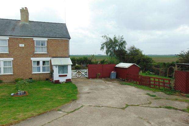 2 Bedrooms Cottage House for sale in Sixteen Foot Bank, Christchurch, Wisbech, PE14