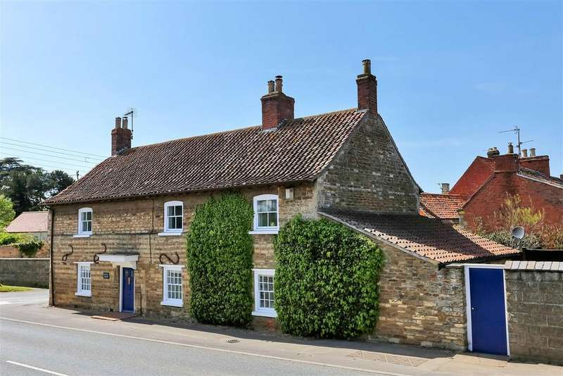 4 Bedrooms Cottage House for sale in Main Road, Barkston, Grantham