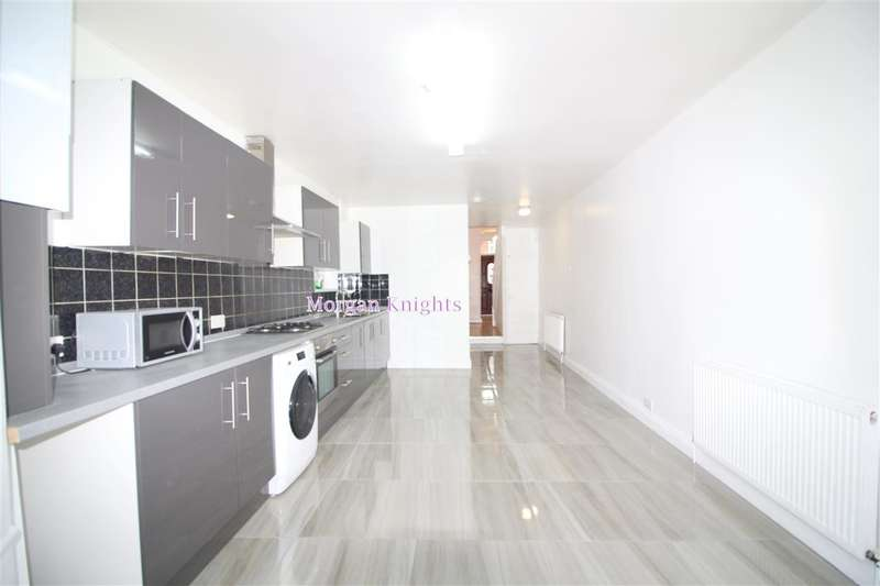 4 Bedrooms Terraced House for sale in Second Avenue, Manor Park, E12