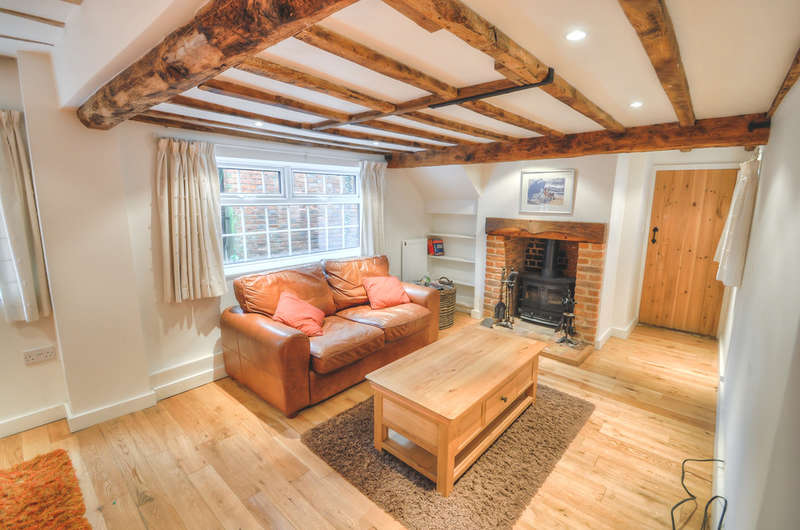 3 Bedrooms Detached House for sale in The Street, Bramfield