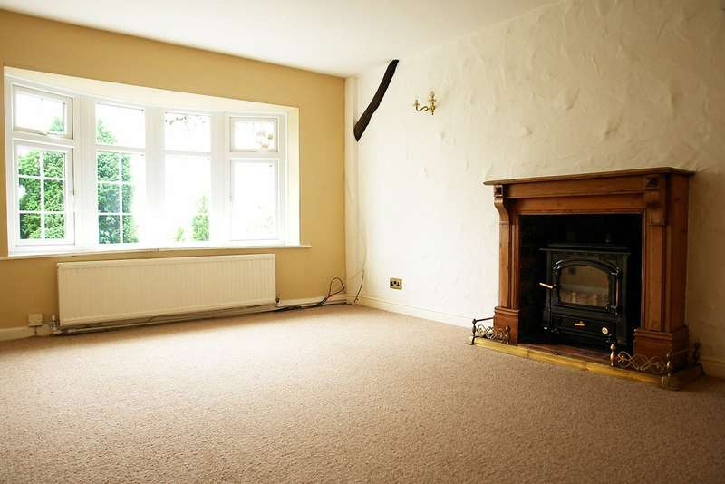3 Bedrooms Detached House for sale in Kendal Drive, Shaw