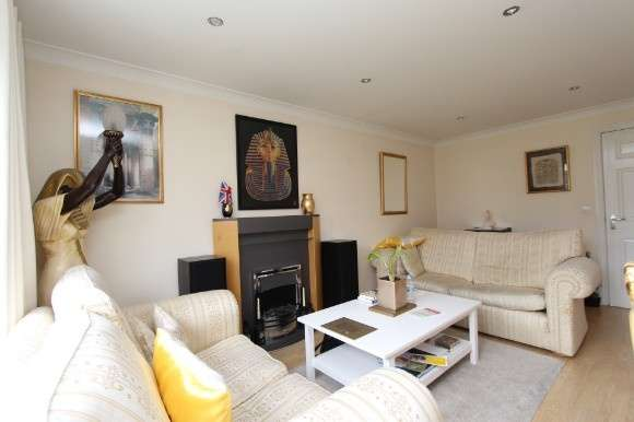 3 Bedrooms Town House for sale in Frost Fields, Castle Donington, Derbyshire