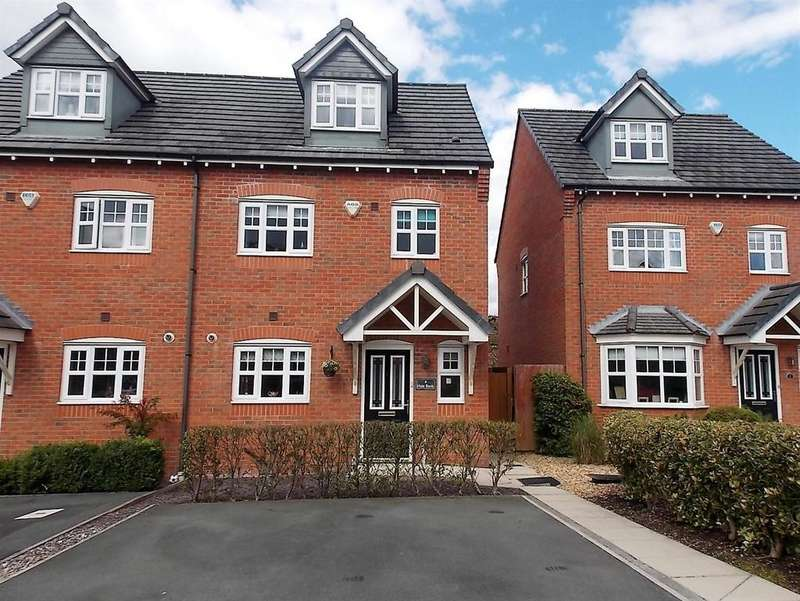 4 Bedrooms Semi Detached House for sale in Hale Bank, Westhoughton, Bolton