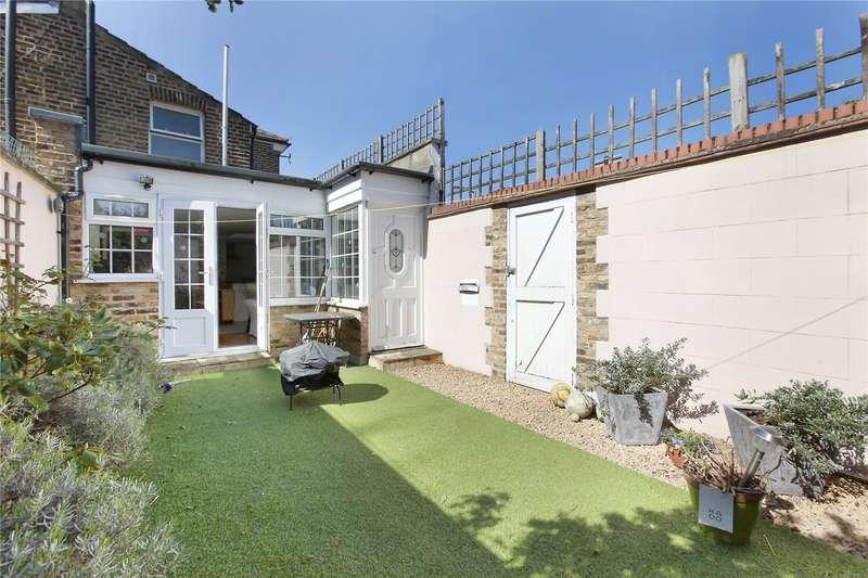 2 Bedrooms Flat for sale in Beechcroft Road, Wandsworth, London, SW17