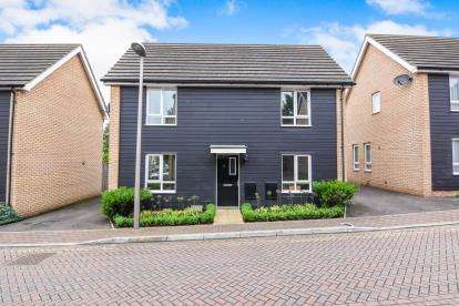 3 Bedrooms Detached House for sale in Grays, Essex