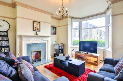 4 Bedrooms Terraced House for sale in Langroyd Road, Colne, Lancashire, BB8