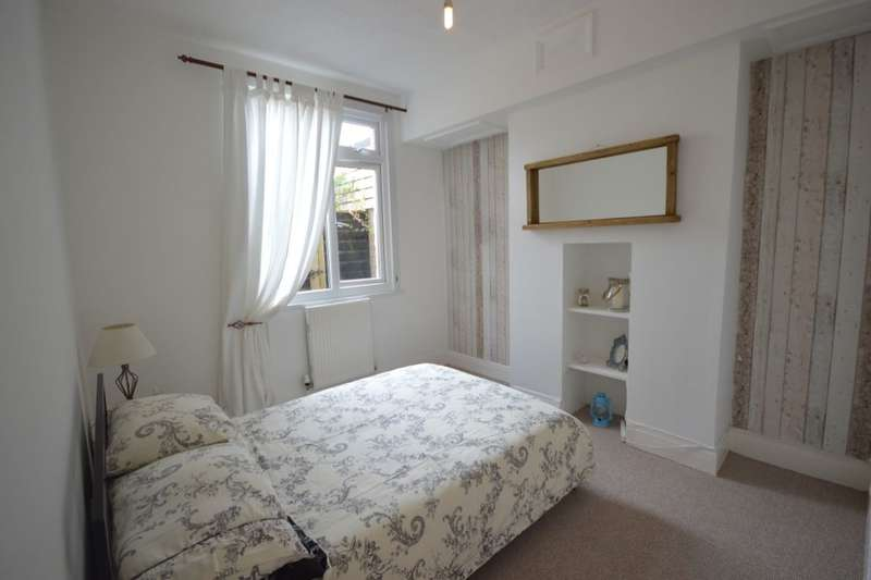 2 Bedrooms Flat for sale in Ford Park Road, Plymouth, PL4