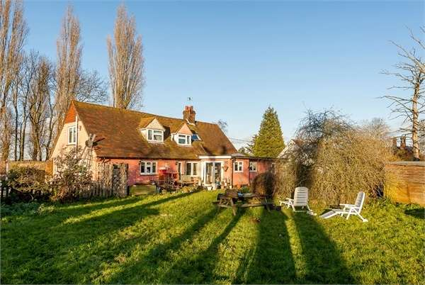 5 Bedrooms Detached House for sale in Church End, Broxted, Dunmow, Essex