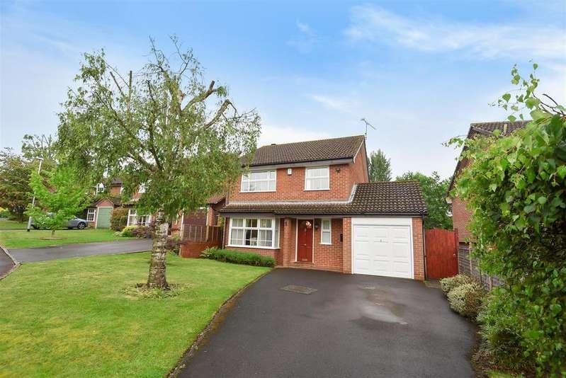 4 Bedrooms Detached House for sale in Wisteria Close, Wokingham, Berkshire, RG41 4BZ