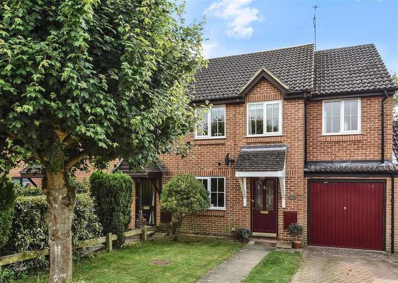 3 Bedrooms House for sale in Trefoil Close, Wokingham, Berkshire RG40 5YQ
