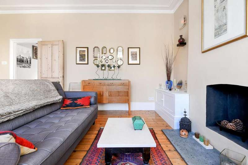 2 Bedrooms Flat for sale in Wimbart Road, Brixton