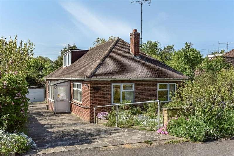 3 Bedrooms Chalet House for sale in Church Road, Sandhurst, Berkshire, GU47 8HY