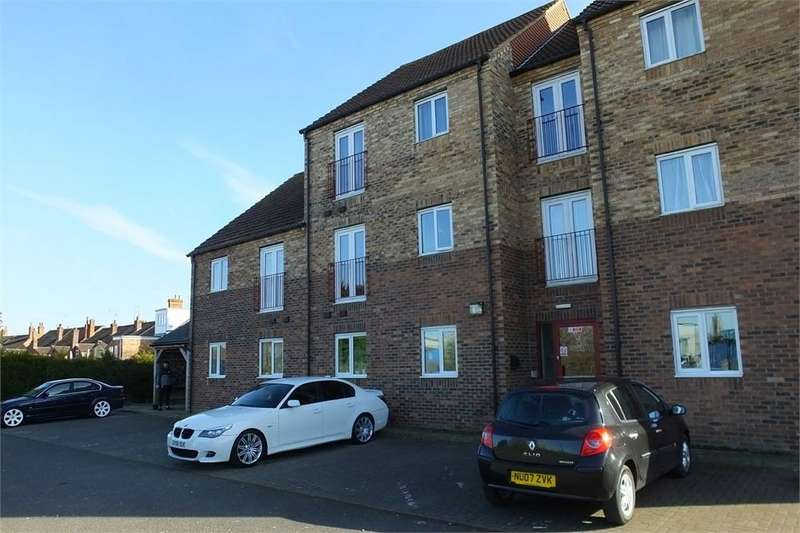 2 Bedrooms Flat for sale in Castle Square, Wyberton West Road, Boston, Lincolnshire