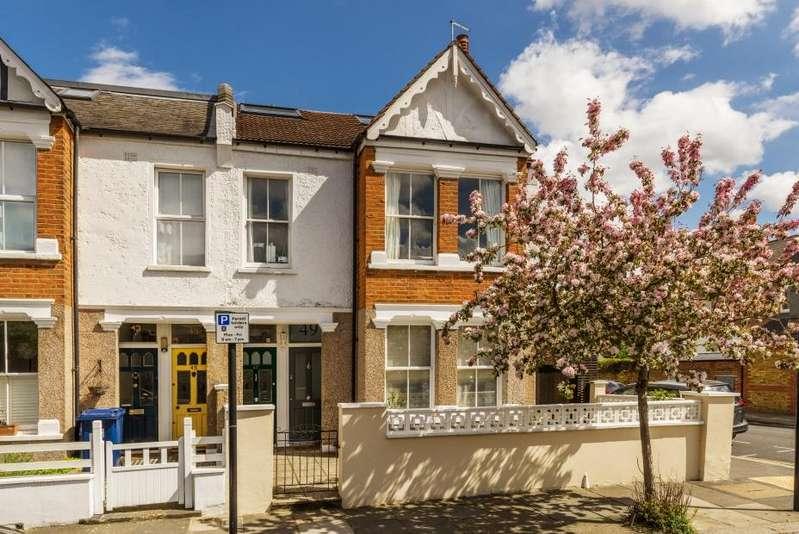 4 Bedrooms Maisonette Flat for sale in Davis Road, London W3