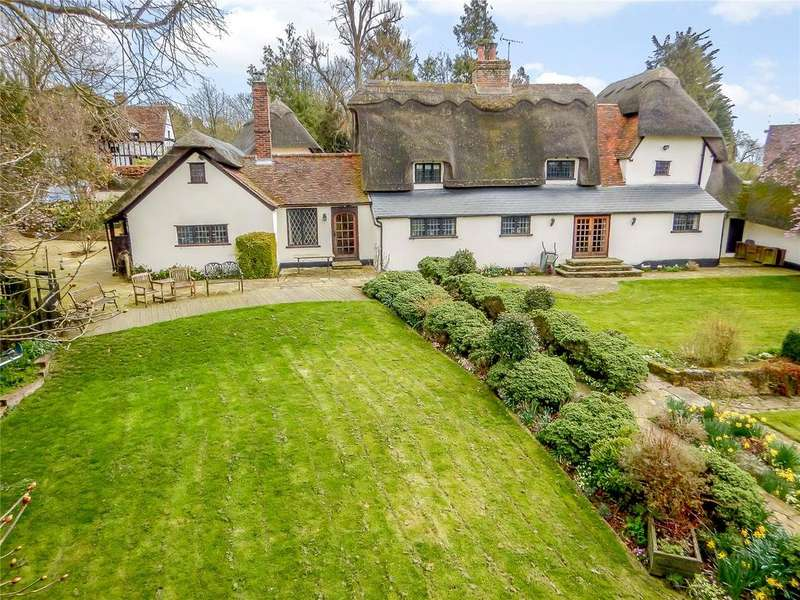 5 Bedrooms Detached House for sale in Rushden, Hertfordshire