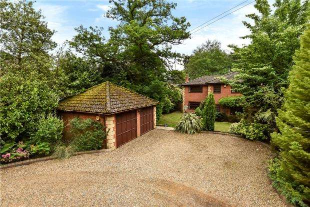 4 Bedrooms Detached House for sale in Crawley Ridge, Camberley, Surrey