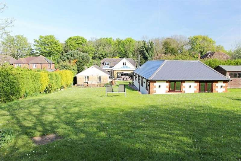 4 Bedrooms Detached House for sale in Hearts Delight, Borden